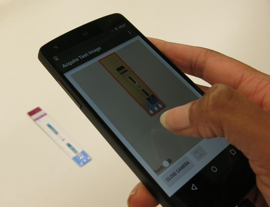 App used to read out and interpret HIV tests